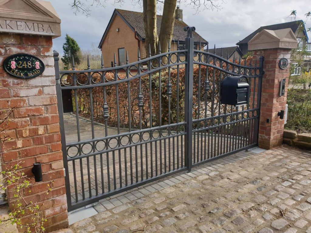 Automated metal iron gate